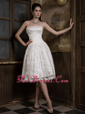 A-line Strapless Lace Wedding Dress Knee-length Satin