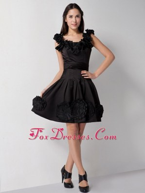 Black Scoop Knee-length Prom Dresses Hand Made Flowers