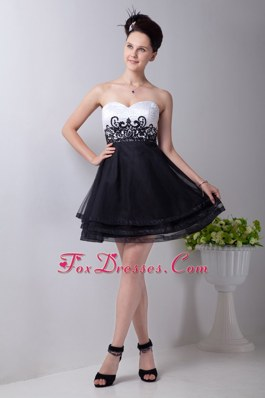A-line Sweetheart Organza Appliques Little Black Dresses
