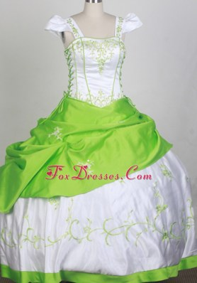 Cap Sleeves Spring Green and White Flower Girl Dress with Embroidery
