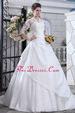 Discount Ball Gown V-neck Satin Lace Wedding Dress