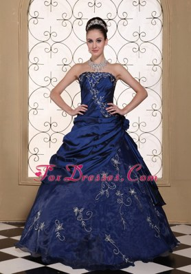 2013 Quinceanera Dress Embroidery Strapless Navy Blue