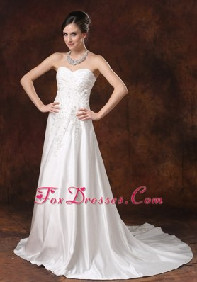 Beading A-Line Sweetheart Taffeta Wedding Dress