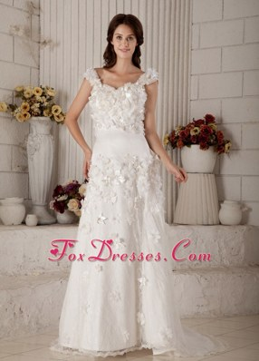 Super Column Straps Brush Train Lace Appliques Wedding Dress