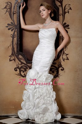 Mermaid 2013 Ruched Wedding Dress with Hand Made Flower