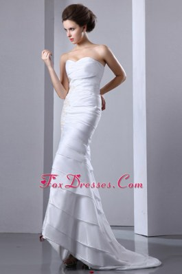 Appliques Wedding Dress Brush Train Taffeta Ruffled Layers