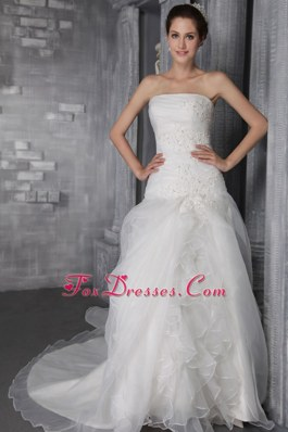 Classical Wedding Dress Ruffled Chapel Train Organza
