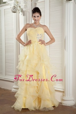Light Yellow Sweetheart Ruffles and Beading Pageant Celebrity Dress