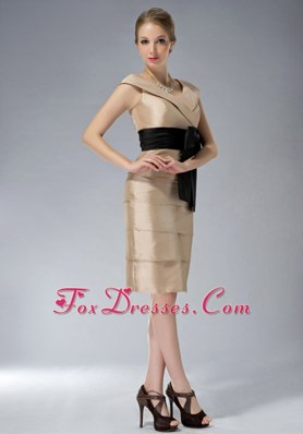 Champagne V-neck Short Taffeta Mother Dresses with Black Sash