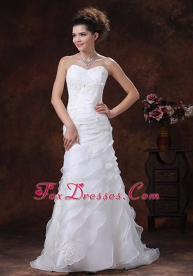 Ruched 2013 Popular Wedding Dress Appliques Sweeetheart