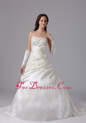 A-line Appliques Ruch Popular Wedding Dress With Court