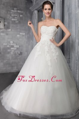 Popular Chapel Appliques Wedding Dress Ball Gown