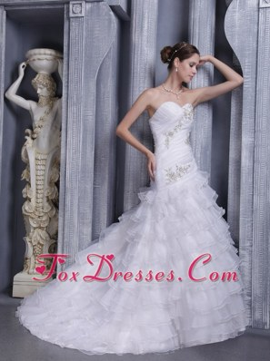 A-line Sweetheart Appliques Popular Wedding Dress