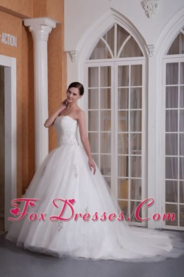 Custom Made Chapel Appliques Popular Wedding Dress A-line