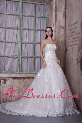 Popular Sweetheart Court Flowers Wedding Dress A-line