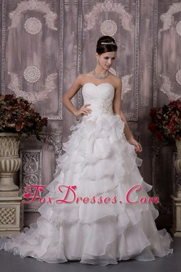 Appliques Ruched Popular Wedding Dress A-line Organza Ruffles