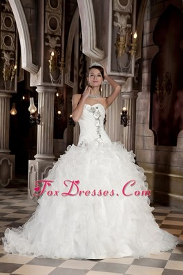 Ruffled Beading Sweetheart Organza Court Train Wedding Dress