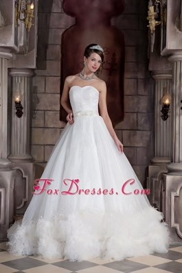 Popular A-line Sweetheart Organza Feather Wedding Dress