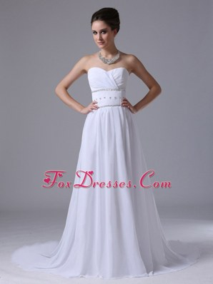 Beaded Fashionable Sweetheart Court Wedding Dress