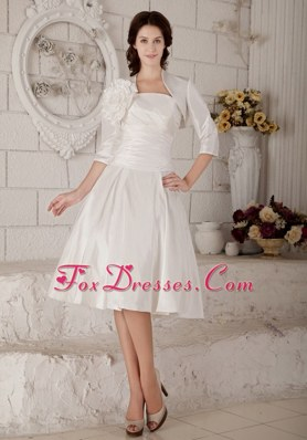Special A-line Strapless Knee-length Wedding Dress Ruch