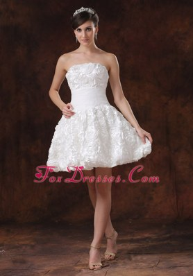 A-line Short Wedding Dress With Rolling Flower