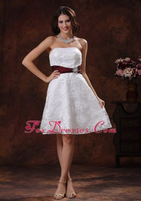 Elegant Short Wedding Dress Wine Red Belt Lace Unique
