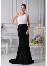 One Shoulder Brush Train Column Black and White Prom Dress