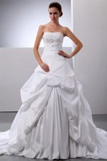 2013 New Arrival Princess Appliques Pick-ups Wedding Dress