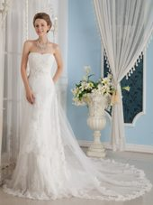 2013 Wonderful Chapel Wedding Dress with Appliques Design