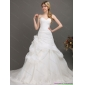Affordableb White Sweetheart Ruching Bridal Gowns with Chapel Train and Hand Made Flower
