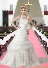 Winter Beautiful Strapless A Line Chapel Train Appliques Lace Wedding Dresses