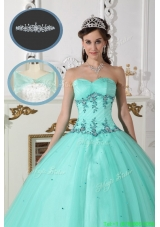 2016 Modest Green Sweetheart Quinceanera Gowns with Beading
