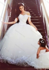 Most Popular Off the Shoulder Wedding Dresses with Bowknot and Romantic Strapless Flower Girl Dress with Bowknot