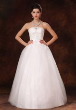 2013 New Arrival Wedding Dress Strapless Appliques Beading
