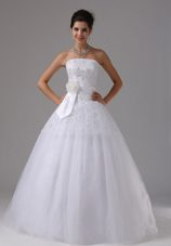 Hand Made Flowers Wedding Bridal Gown A-line Lace Tulle Sash