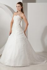 Romantic Sweetheart A-line Court Train Tulle Appliques Bridal Gown