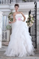 Lovely Wedding Gown Strapless Ruffles Beading Handmade Flower