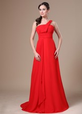 Cheap On Shoulder Prom Dress Ruching Chiffon Red Brush Train