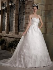 Sweetheart A-line Chapel Train Taffeta and Lace Wedding Dress