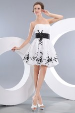 Strapless Mini-length Appliques Cocktail Homecoming Dresses