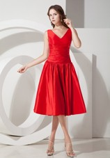 Red Princess V-Neck Tea-length Taffeta Dama Dresses for Quinceanera