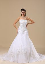 Embroidery Chapel Train Exclusive Style 2013 Wedding Dress