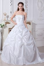 Beaded 2013 Court Train Taffeta Embroidery Wedding Dress
