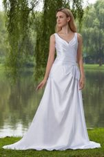 Elegant A-Line Conrt Train Taffeta Beading Wedding Dresss