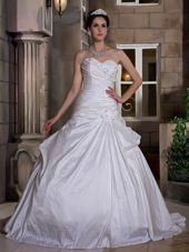 2013 Sweetheart Court Train Hand Made Flowers Wedding Dress