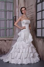 Ruffled Layers Wedding Dress Appliques Brush Train Taffeta
