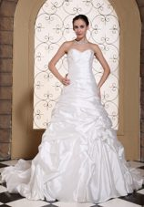 2013 Wedding Dress Ruche and Pick-ups Chapel Train