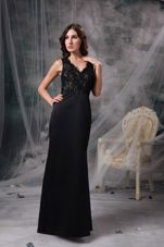 Black V-neck Floor-length Lace Evening Celebrity Dress