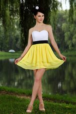 Yellow and White Sweetheart Mini Sashes Homecoming Dress