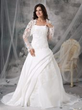 Elegant A-line Strapless Organza Appliques Wedding Dress